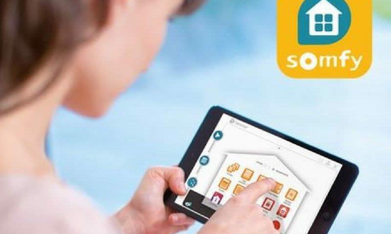 Interface Tahoma pour effectuer des réglages depuis une tablette Somfy