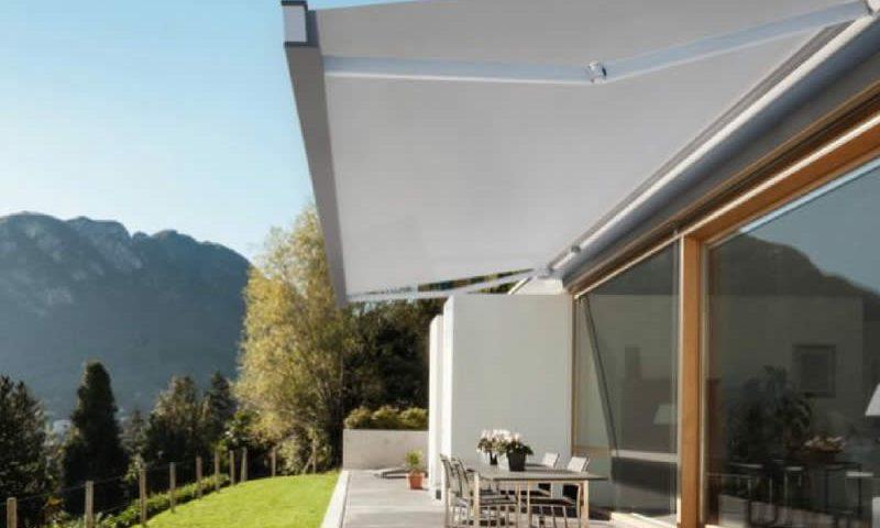 Store Next Cubica blanc pour terrasse Arnaud et Blanc