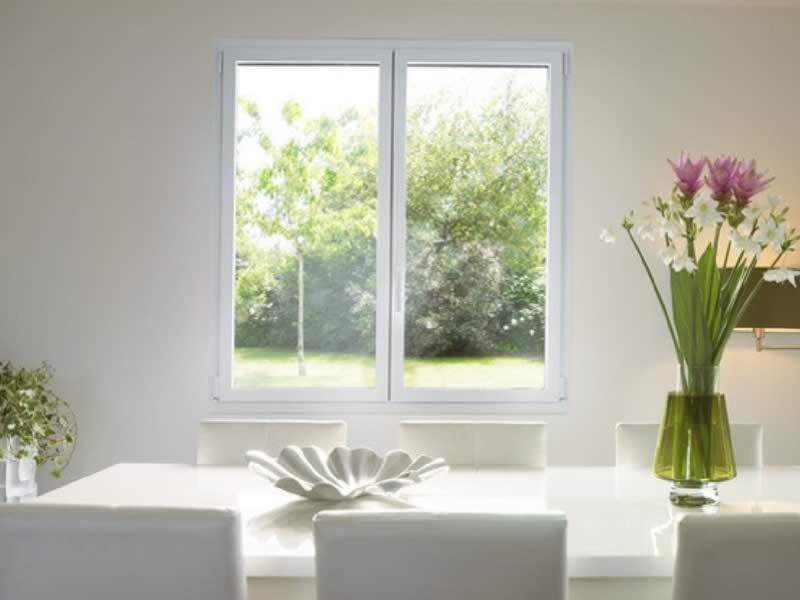 Fenêtre blanche en alu Kline Arnaud et Blanc