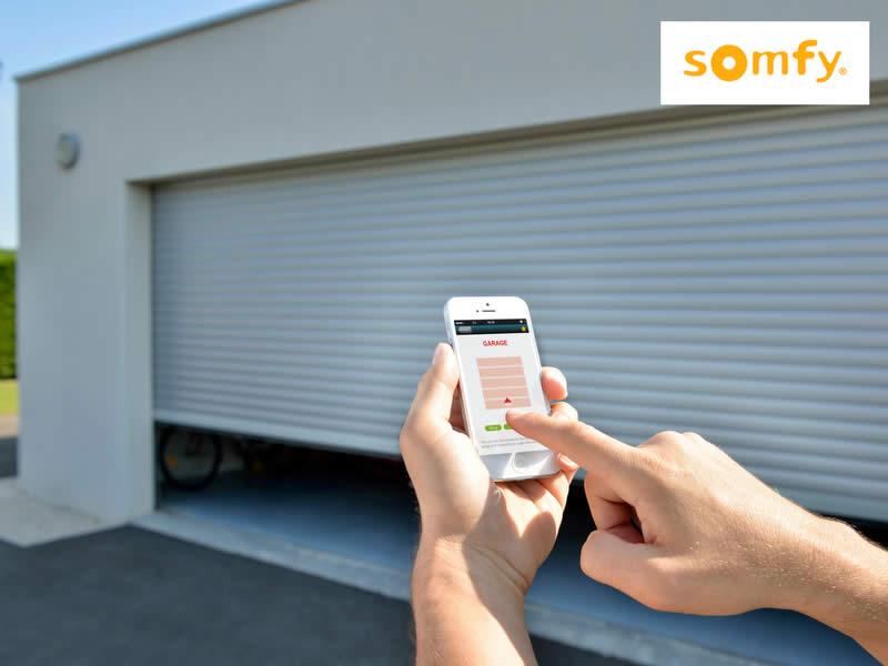 Ouverture porte garage arnaud blanc for Ouverture porte de garage avec smartphone