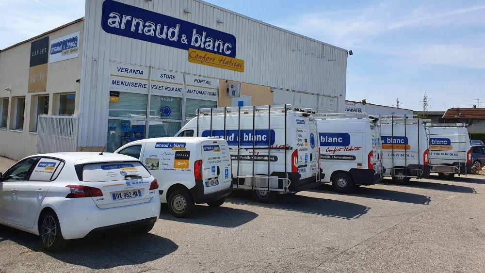 ARNAUD ET BLANC - Camions & devanture magasin